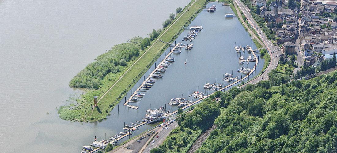 Luftaufnahme vom Hafenbecken
